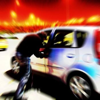 car-stealing-1436877-w1200-h1200